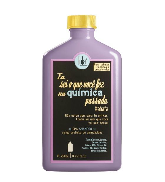 """O xampu da linha """"Eu Sei o que Você Fez na Química Passada"""" é um dos produtos da empresa Lola Cosmetics, da empresária Dione Vasconcellos"""