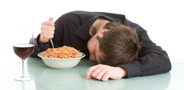 A digestão fica mais lenta quando o indivíduo está em sono profundo