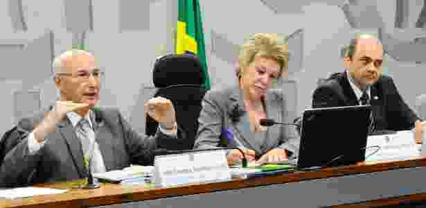 O presidente do TST, Ives Gandra Martins Filho (à esq.) em debate sobre a reforma trabalhista - Geraldo Magela/Agência Senado