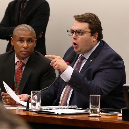 O presidente da CCJ da Câmara, deputado Felipe Francischini (PSL-PR), que quer resgatar PEC que dá mais autonomia à PF  - Pedro Ladeira - 23.abr.2019/Folhapress