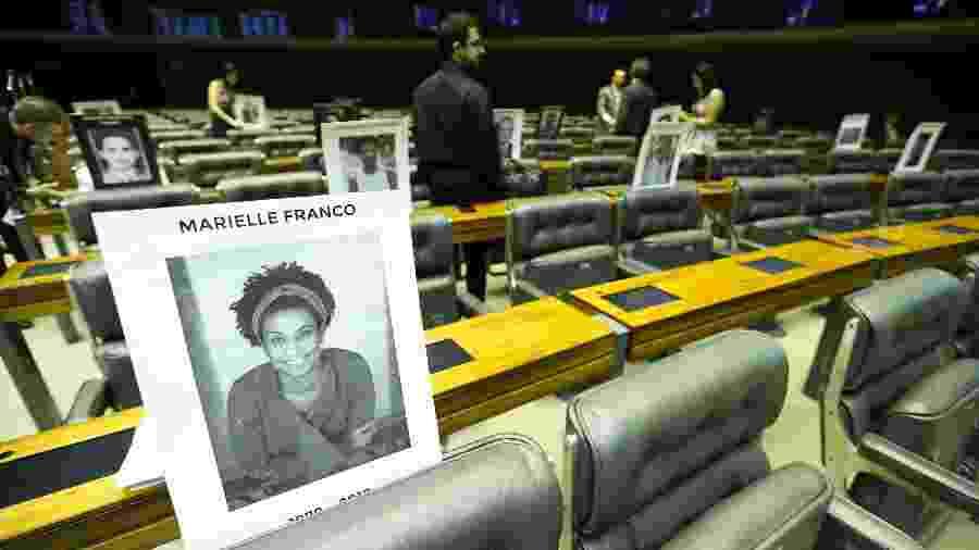 Manifestação na Câmara dos Deputados em homenagem a Marielle Franco - Marcelo Camargo/ Agência Brasil