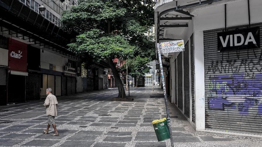 Rua Dom José de Barros, no centro histórico de São Paulo, durante a quarentena - Reinaldo Canato / UOL