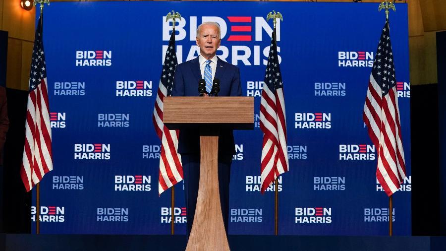 O candidato democrata à presidência, Joe Biden, faz pronunciamento em Wilmington, Delaware, enquanto os votos ainda estavam sendo contados em uma disputa acirrada contra o atual presidente Donald Trump - Drew Angerer/ Getty Images/ AFP