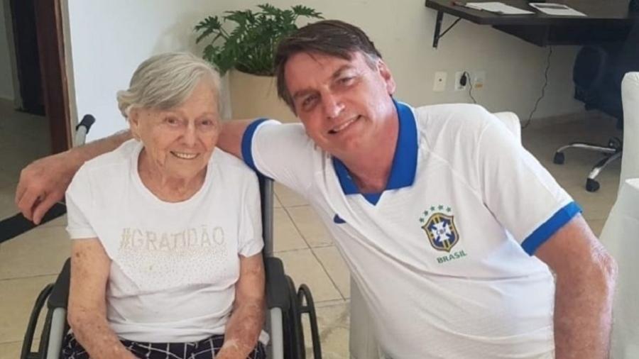 O presidente Jair Bolsonaro e a mãe Olinda Bonturi Bolsonaro, de 93 anos - Reprodução/Instagram