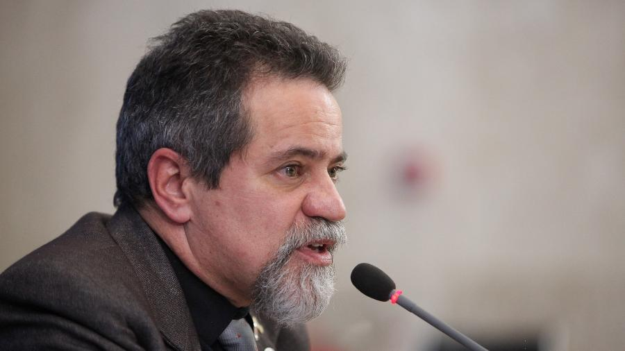Eficácia da vacina de Oxford contra variantes foi atestada em estudo preliminar, segundo o secretário Élcio Franco - Júlio Nascimento/PR