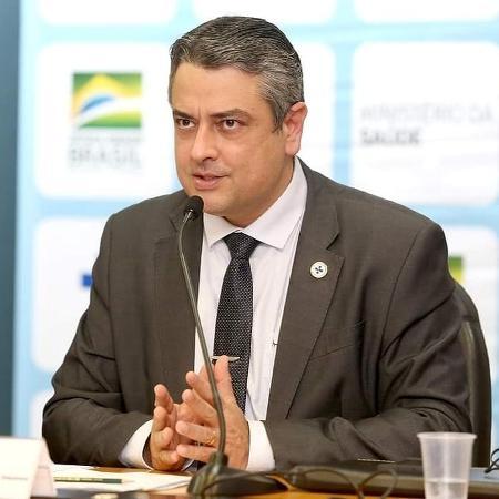 """Médico Hélio Angotti Neto é seguidor do escritor Olavo de Carvalho e entusiasta do chamado """"tratamento precoce"""" contra a covid-19 - Reprodução/Instagram"""