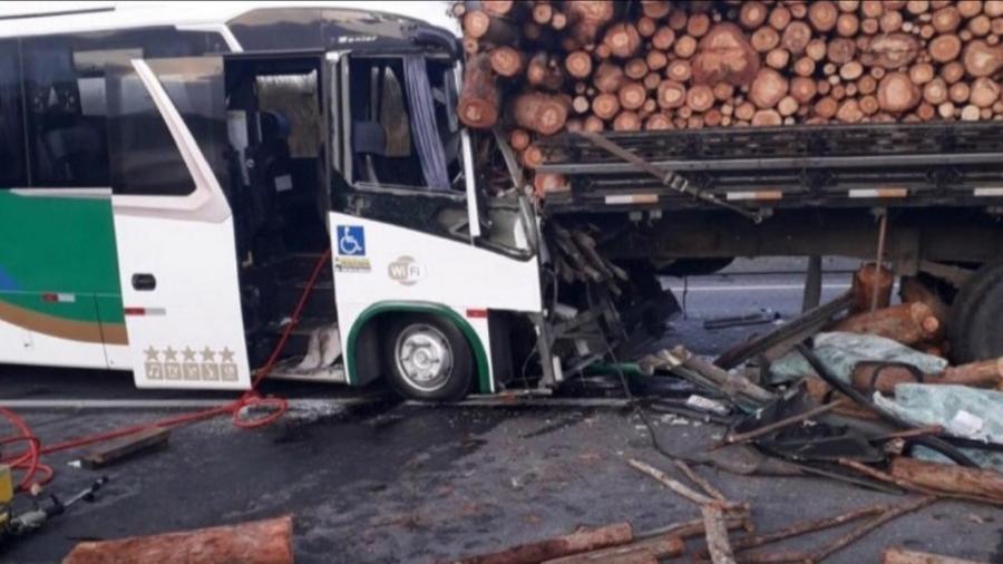 Motorista de ônibus que transportava pacientes morreu - Reprodução