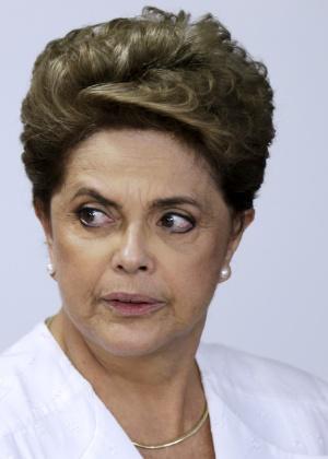 A presidente Dilma Rousseff participa da assinatura de um acordo de transferência de terras federais para o governo do Amapá, no Palácio do Planalto