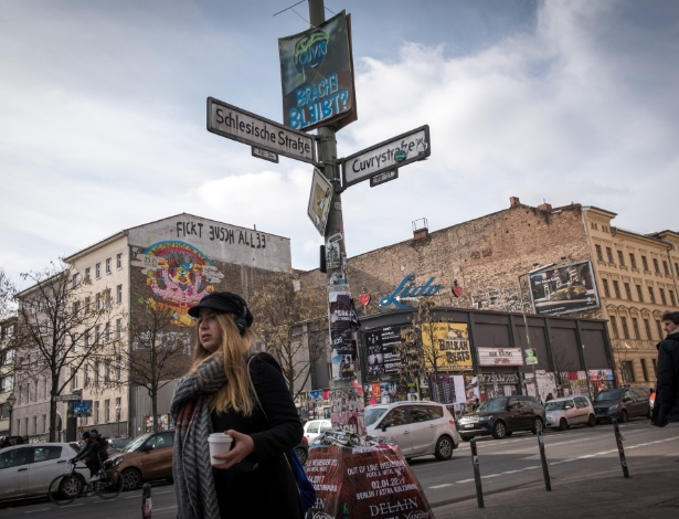 Cruzamento na região de Friedrichshain-Kreuzberg, em Berlim, onde os aluguéis estão subindo - Gordon Welters/The New York Times