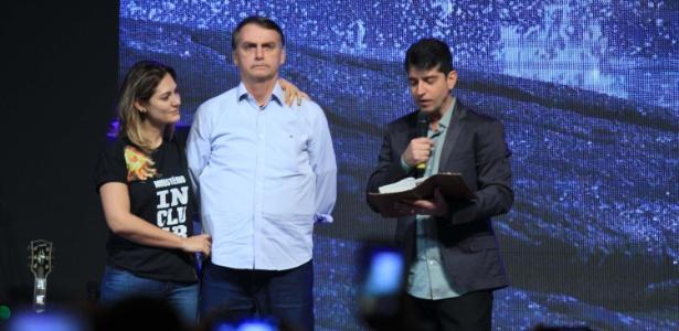 Bolsonaro participa de culto na Igreja Batista Atitude na Barra da Tijuca no Rio de Janeiro