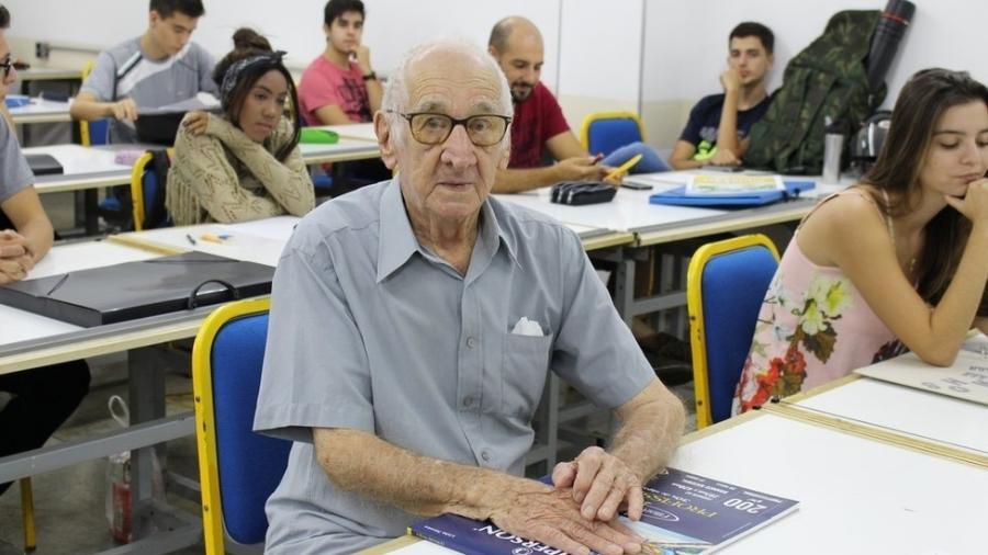 Carlos Augusto Manço começou o curso de arquitetura e urbanismo aos 90 anos - Centro Universitário Barão de Mauá