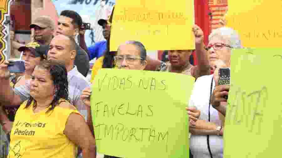 Moradores protestam contra a violência policial no Complexo do Alemão - Voz das Comunidades