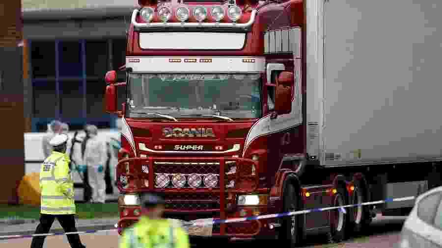 Polícia investiga caminhão com 39 corpos que apareceu no Reino Unido - Peter Nicholls/Reuters