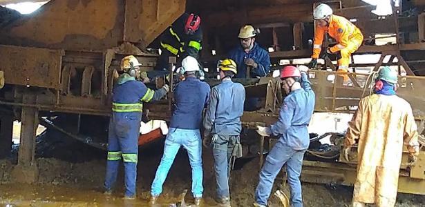 Ficou preso em esteira | Funcionário morre esmagado em siderúrgica em Brumadinho