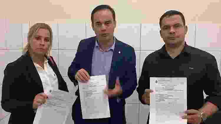 Major Fabiana (PSL-RJ), Capitão Wagner (PROS-CE) e Capitão Alberto Neto (Republicanos-AM) - Reprodução - Reprodução