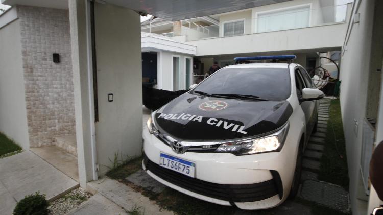 Polícia Civil realiza operação em casa de bombeiro suspeito de envolvido na morte de Marielle Franco - José Lucena/Futura Press/Estadão Conteúdo
