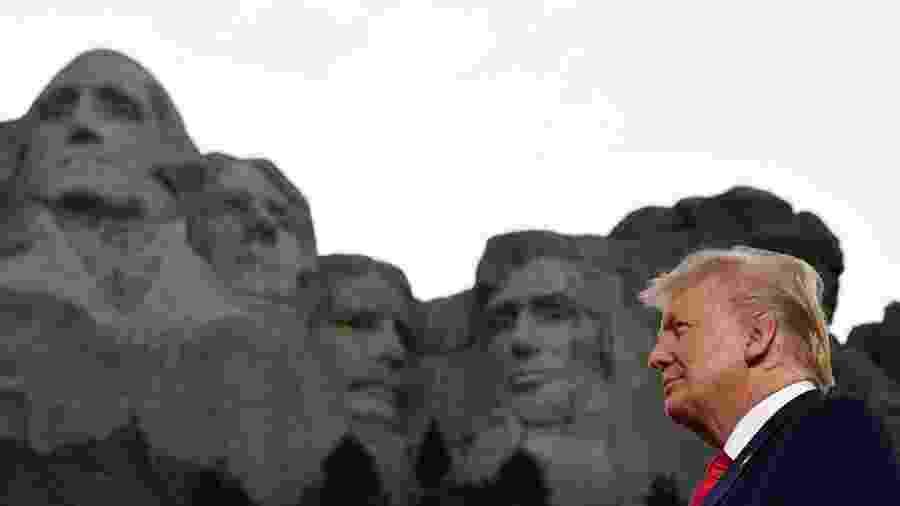 3.jul.2020 - O presidente dos EUA, Donald Trump, participa de ato em comemoração à independência do país no Monte Rushmore - Saul Loeb/AFP