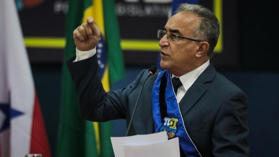 """""""Uma decisão histórica"""", comemorou o prefeito Edmilson Rodrigues (PSOL), responsável pelo projeto - Filipe Bispo/Fotoarena/Estadão Conteúdo"""