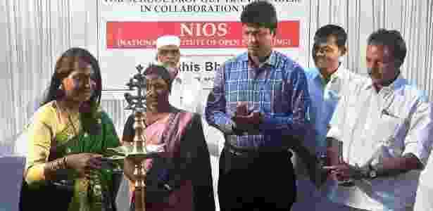 Kalki Subrahmaniam disse que a abertura da escola marcou um 'dia histórico' - BBC - BBC