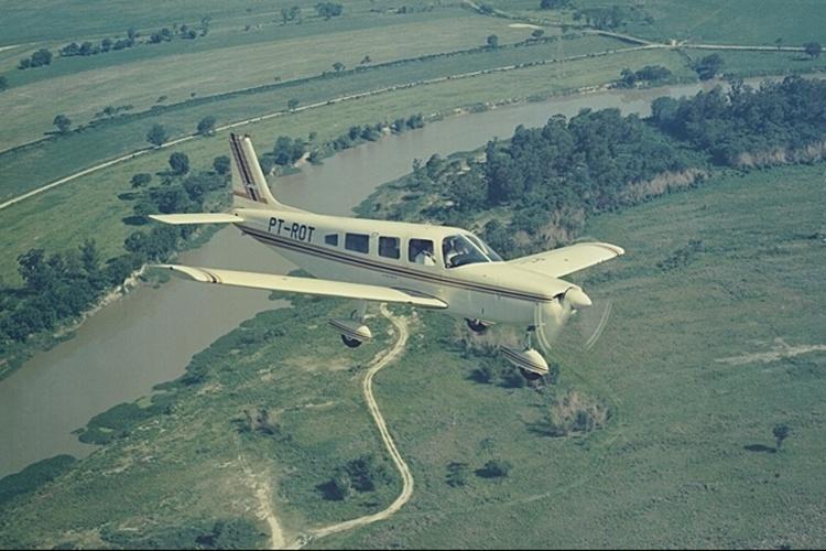 Avião modelo EMB-720 Minuano, da Embraer