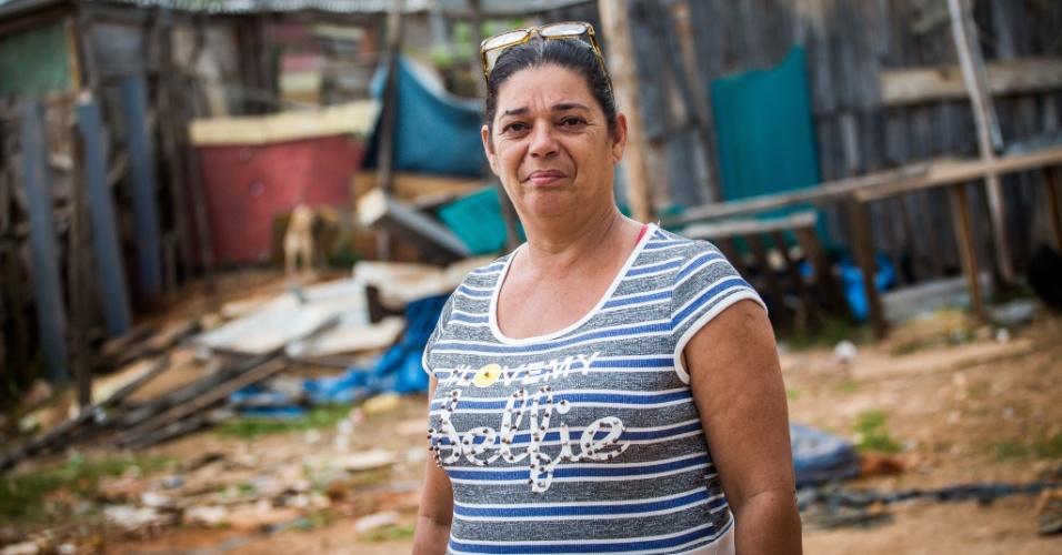 14.abr.2018 - A faxineira Rosicler de Lima, a Rose, lidera a ocupação Caguaçu, em São Mateus, na zona leste de São Paulo
