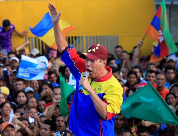 Falcon durante campanha presidencial em Barquisimeto