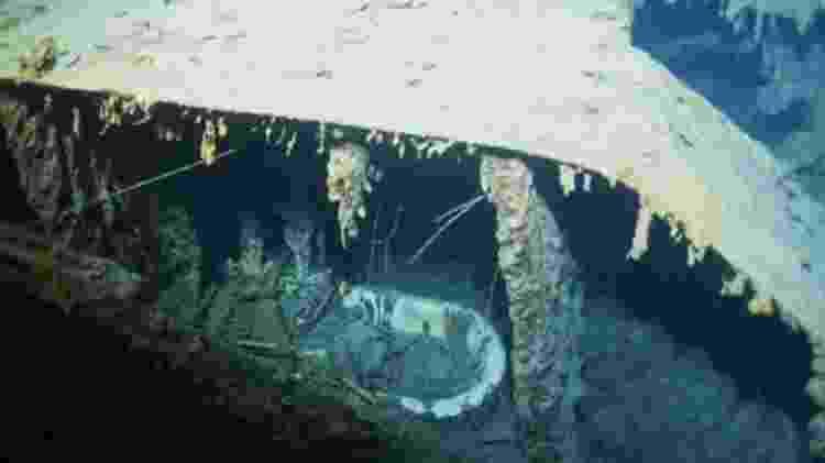 A banheira do capitão, fotografada durante uma expedição em 1996, se perdeu - Getty Images