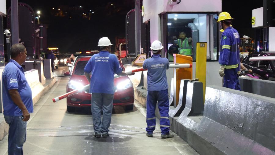 O fluxo de veículos leves recuou 11,9%, enquanto o fluxo de pesados cresceu 2,2% - Hudson Pontes/Prefeitura do Rio