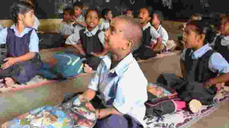 Divya foi matriculada no dia seguinte à publicação da foto - BBC