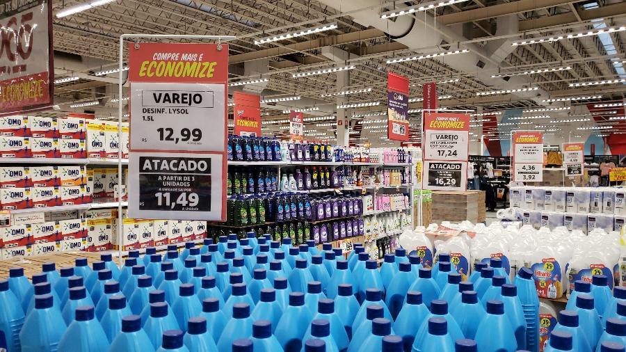 Preços de atacado e varejo no supermercado Extra - Por Camila Moreira e Rodrigo Viga Gaier