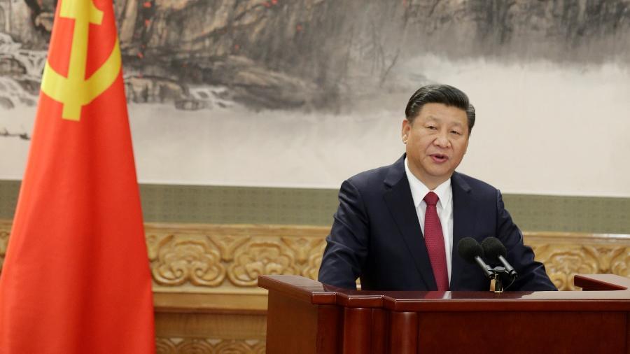 Presidente da China, Xi Jinping, durante reunião do Politburo - Jason Lee/Reuters