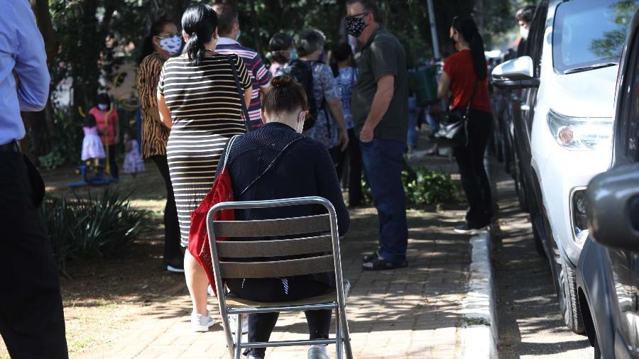 Filas para vacinação contra a Covid-19 na UBS Chácara Santo Antônio, na zona sul de São Paulo (SP), em maio - RENATO S. CERQUEIRA/ESTADÃO CONTEÚDO