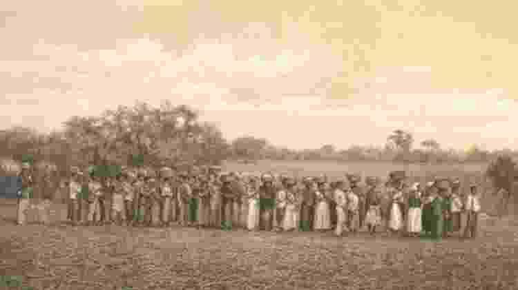 """""""No Brasil do século 18 ocorrem coisas muito importantes. A primeira é que a escravidão se torna algo banal e corriqueiro"""", diz escritor - Arquivo Nacional/Domínio Público - Arquivo Nacional/Domínio Público"""