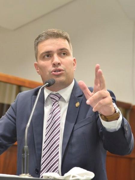 O deputado estadual delegado Humberto Teófilo (PSL-GO) disse que vai entrar na Justiça contra a medida - Valdir Araújo (Assembleia Legislativa de Goiás)