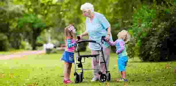 Crianças, preocupação com o próximo -  FamVeld/iStock -  FamVeld/iStock