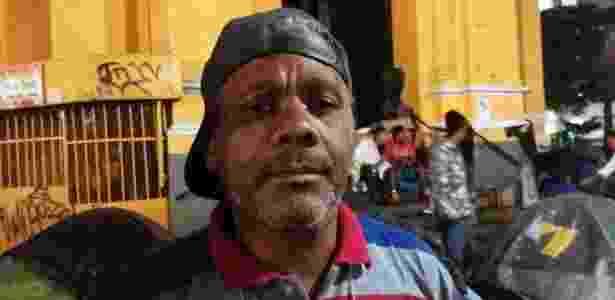 O sem-teto Valtair, o Carioca, escolhido porta-voz de famílias que escaparam do desabamento no centro de SP - Guilherme Azevedo/UOL