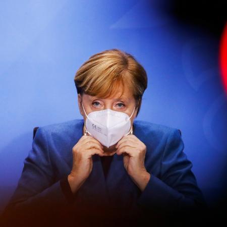 28.out.2020 - A chanceler da Alemanha, Angela Merkel, anuncia medidas de restrições para conter o coronavírus - Fabrizio Bensch/POOL/AFP