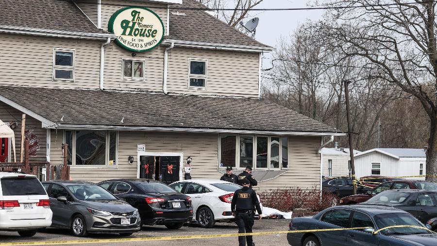 Tiroteio em taverna dos EUA deixou três mortos e duas pessoas feridas; poucas horas depois, ataque no Texas fez mais três vítimas fatais - Tannen Maury/EFE
