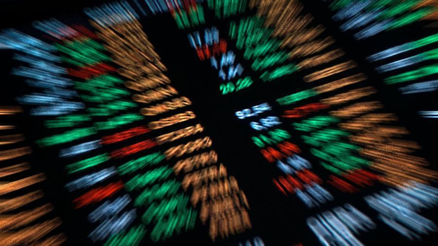 Ontem, o dólar comercial fechou com desvalorização de 0,7%, vendido a R$ 5,174 - Cris Faga/NurPhoto via Getty Images