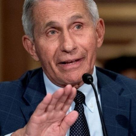 Dr Anthony Fauci se disse frustrado com resistência de parte da população americana em se vacinar - REUTERS
