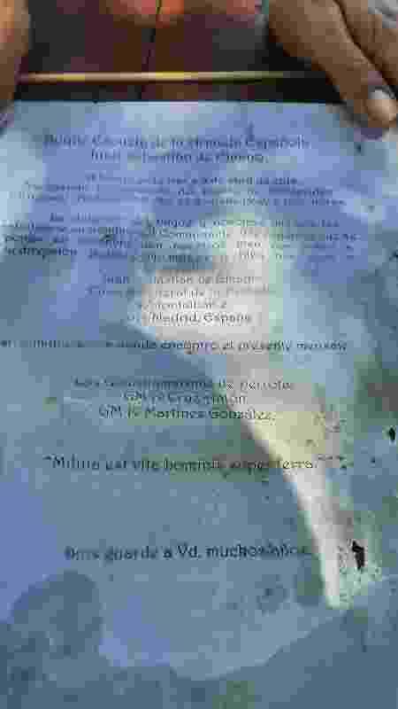 Mensagem encontrada por casal informa data e localização do ponto em que a garrafa foi jogada ao mar - Reprodução/Redes Sociais - Reprodução/Redes Sociais