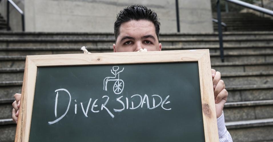 """""""Adoro a diversidade de pessoas, de culturas. Eu mesmo sou um exemplo da diversidade. Vejo muitos cadeirantes, deficientes visuais que podem se inserir na sociedade. São Paulo dá essa oportunidade a todos""""."""