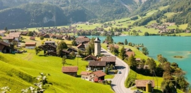 Oberwil-Lieli fica no cantão de Aargau, no norte da Suíça, e sua população decide entre receber 10 refugiados sírios ou pagar multa equivalente a R$ 1 milhão