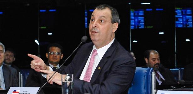 Senador Omar Aziz (PSD-AM) em pronunciamento no Senado