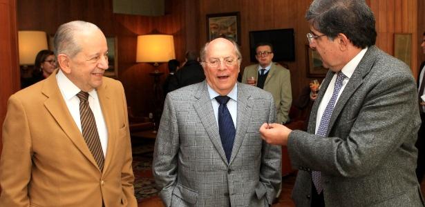 """Miguel Reale Junior (centro) diz que é hora de """"recolocar o Brasil nos trilhos"""""""