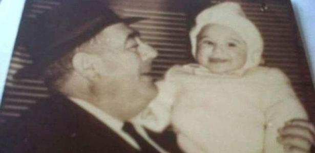 Pai adotivo morreu quando López tinha 8 anos
