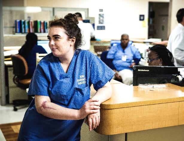 Maddy Wilford descansa entre uma cirurgia e outra no Broward Health North (EUA) - Scott McIntyre/The New York Times