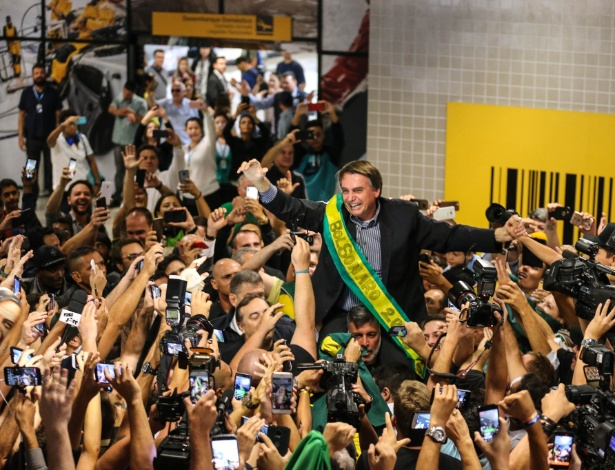 Ataque fortalece campanha e legitima propostas de Bolsonaro, diz socióloga