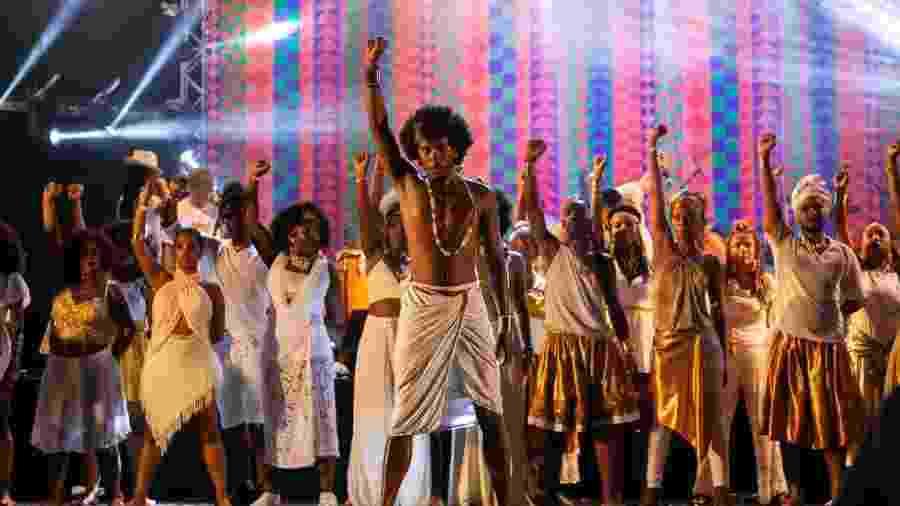 Encontro Kandandu reúne em BH os blocos afro Afoxé Bandarerê, Angola Janga, Magia Negra, Fala Tambor, Samba da Meia-Noite, Timbaleiros do Gueto, Swing Safado, Afrodum, Kizomba e Bloco Oficina Tambolelê - Julia Lanari/Divulgação Belotur
