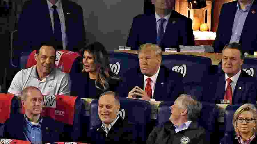 27.out.2019 - Donald Trump e a esposa Melania assistem ao jogo entre Houston Astros e Washington Nationals - Tommy Gilligan/USA Today Sports